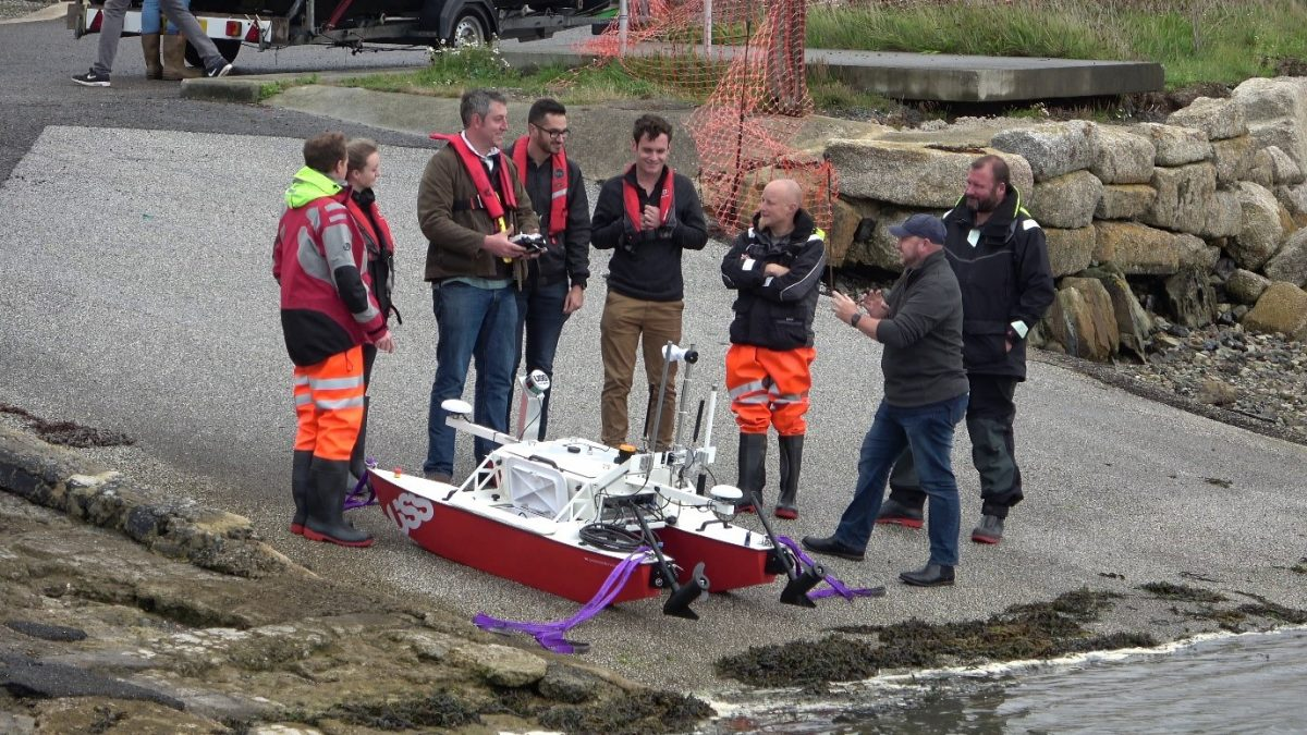 safety briefing during the MBES course in Hayle Harbour Sep 2019